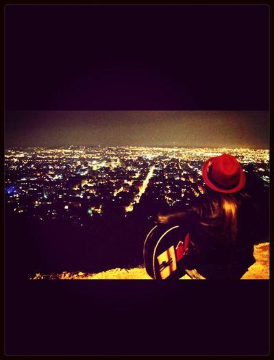 Si las cosas van mal mira para el horizonte! Colombia Bogotá Night