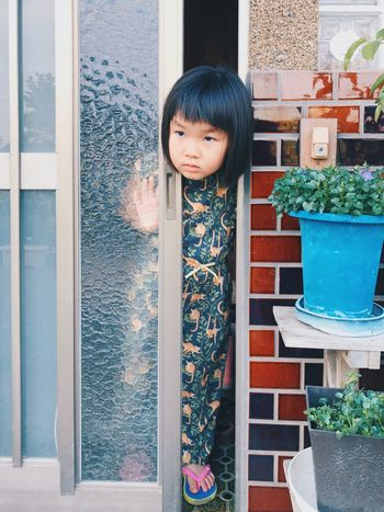 Hello My Baby VSCO Vscogood Vscocam Real People One Person Childhood Standing Looking At Camera Girls Door Day Window Portrait Elementary Age Lifestyles Outdoors Leisure Activity Architecture Building Exterior Freshness People Hello World Hello HelloEyeEm