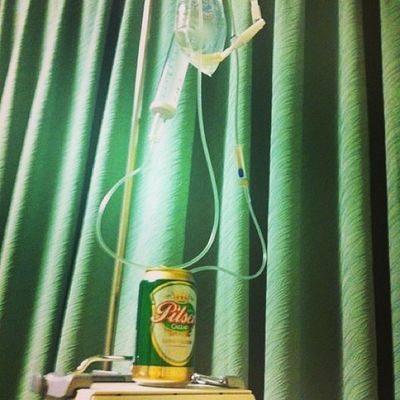 Suero a la vena Beer Hop Igersperu Instagramperu clinic hospital