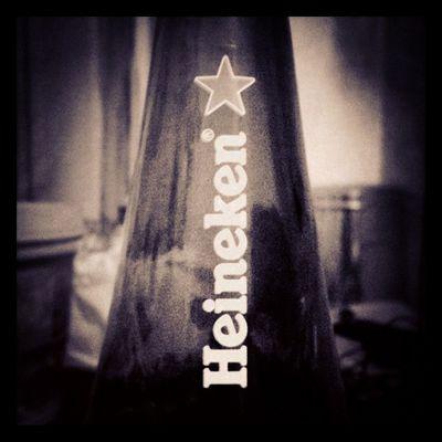 Happy weekend everyone! Beer Heineken Star Black Blackandwhite B &w Weekend Jj  Drinks Instagood Instahigh Iphone3gs Iphonesia Iphoneonly 3GS Happytimes Friday