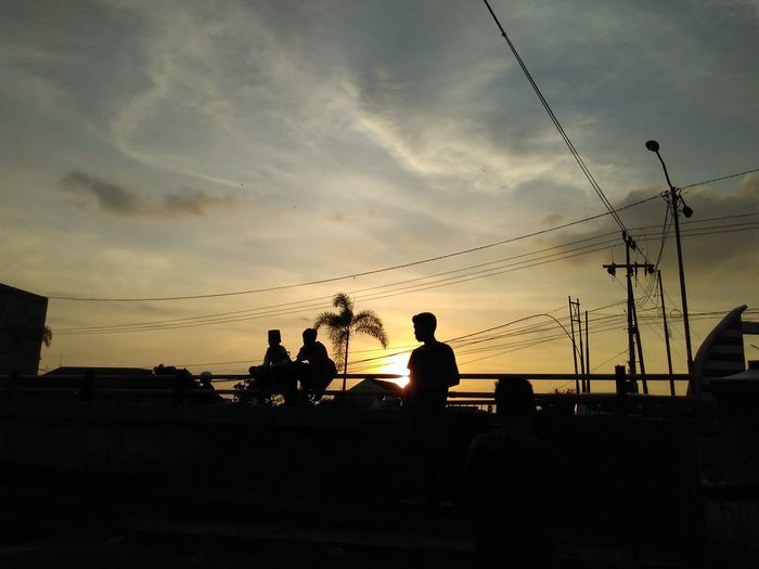 Adapted To The City Silhouette Sunset People Sky Only Men Adults Only Outdoors Young Adult Adult Match - Sport Day Sirilpic Xiaomi Redmi 2s Phoneography Phone Photography Xiaomi Camera 3daysout