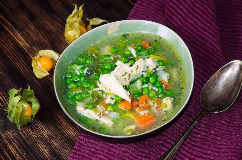 Hühnerbrühe mit Reis Kochen Foodblog Gesunde Ernährung Suppe Hähnchen Food And Drink Soup Food Healthy Eating Bowl Indoors  Vegetable Ready-to-eat Vegetable Soup Freshness