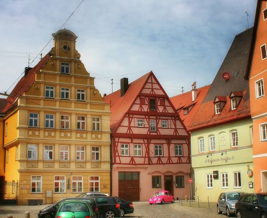Pink cars are best cars. Streetview Urban Architecture Colorful Altstadt Walking Around The City  Warm Colors Warmlight