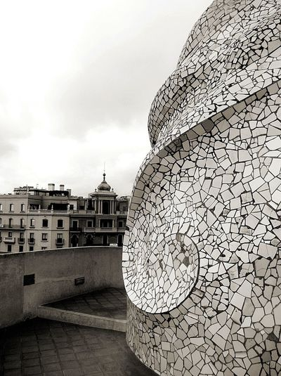 Architecture Travel Destinations Sky History No People Outdoors Cityscape Building Exterior Architecture La Pedrera, Casa Milá Lifestyle Architecturelovers Barcelona Travel SPAIN Detail Architecturephotography Walking Around Gaudi City City Life Turistic Places Streetphotography Low Angle View ArchiTexture