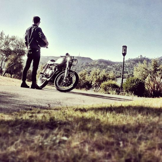 Find your peace of mind. Fridayrideday Griffithobservatory Hollywoodsign Vantagepoint @rockersandgentlemen Caferacer CB400F