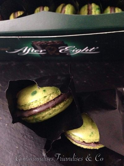 Macarons After eight Aftereight Chocolate Gourmandisesfriandisesetco Food And Drink Food Indulgence Freshness Sweet Sweet Food Baked Macaroon