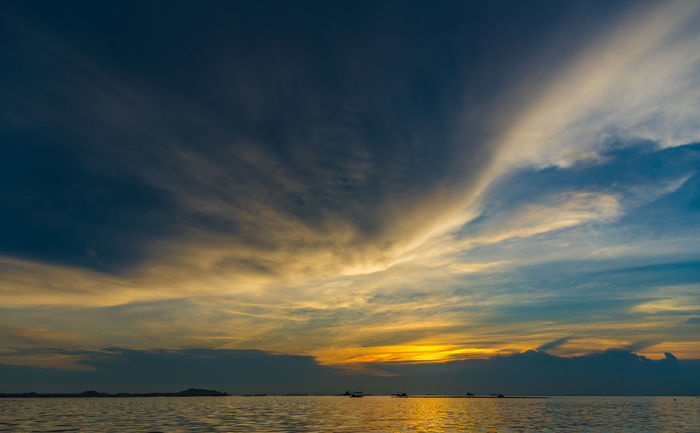 Nice dramatic sky Atmosphere Beauty Climate Cloud - Sky Clouds Dramatic Sky Dramatic Sky Evening Evening Light Evening Sky Nature Orange Color Outdoors Red Scenics Sea Sea And Sky Seascape Season  Sky Sky And Clouds Sky Scape Sunset Weather Yellow