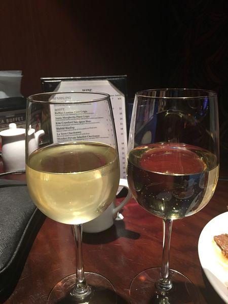 Cheers...♥♥♥ Night Out Whitewines Rupinoluminaminot Dinnerout Enjoying Life