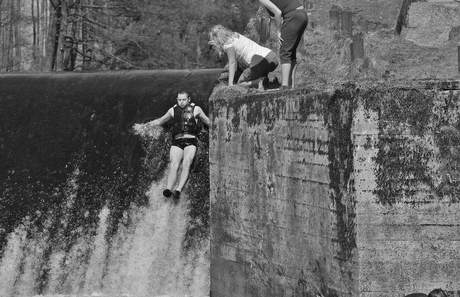 Day Fun Girl Kanal Men Outdoors Polen Polska S/w Water Wehr