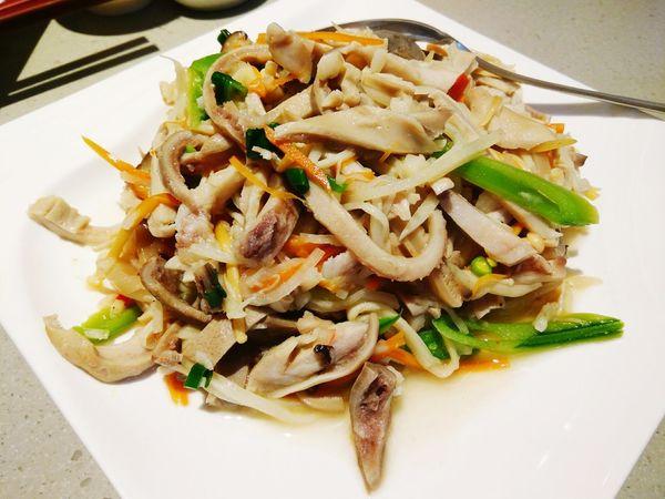 金茸肚絲 (酸菜肚絲) Stir-Fried Pork Tripe with Enoki Mushroom / Chinese Sauerkraut モツとエノキ / 酸菜の炒め物 滿穗台菜 MansuiTaiwaneseCuisine 満穂では