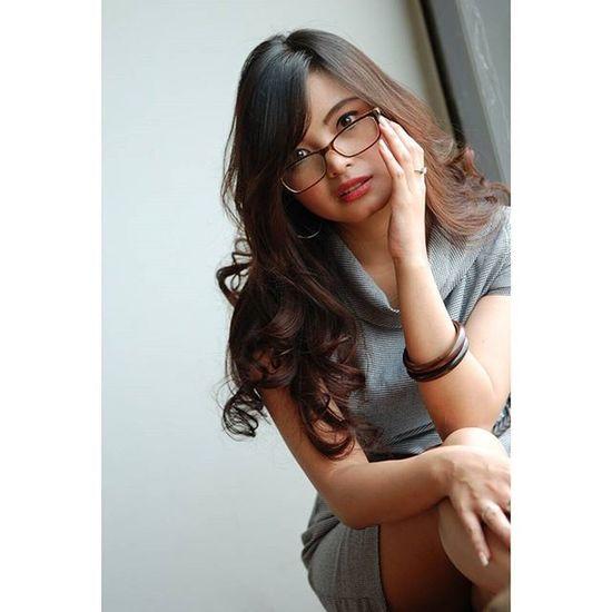 Melihat lebih seksama.. Model : @ni_agustina Taken with Nikon Frico Sihaloho Jakarta Indonesianwoman INDONESIA Model Nikon Office Newbiemodel Sexyofficer BankMega