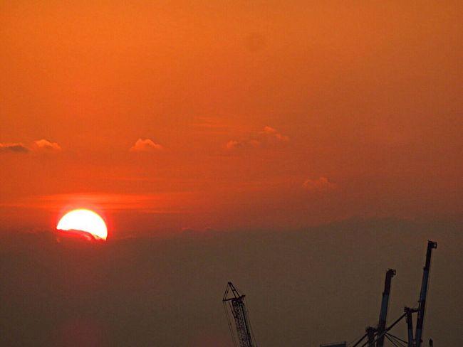 Sunset Enjoying The Sun Sunshine Sun_collection Sun Relaxing Sunset_collection Sky Sky_collection Sky And Clouds Sky_collection Skylovers Skyscraper Evening Evening Sky