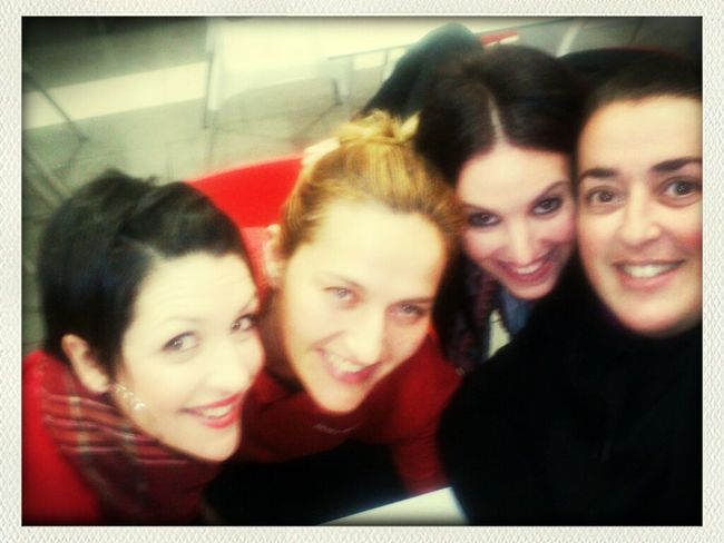 17 de enero... con las niñas de visita!! Telepizza  Lola Rivera Mis Amigas Y Yo