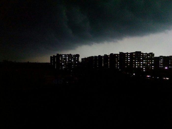 Amazing_captures Nice Atmosphere Lovethisweather Fulldark Raining Day Enjoyed A Lot.