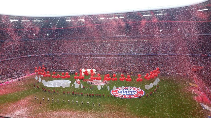 Zu Gast beim DEUTSCHEN FUßBALLMEISTER! Bayern München BayernMunich Champion Globalworld Globalwatching