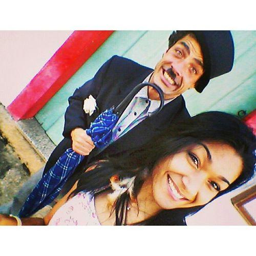 No meio do festival da Cachaça geral doidão e olha quem eu encontro no Centro Histórico Charlie Chaplin Alcoolatra hahah Vai Uma Selfie