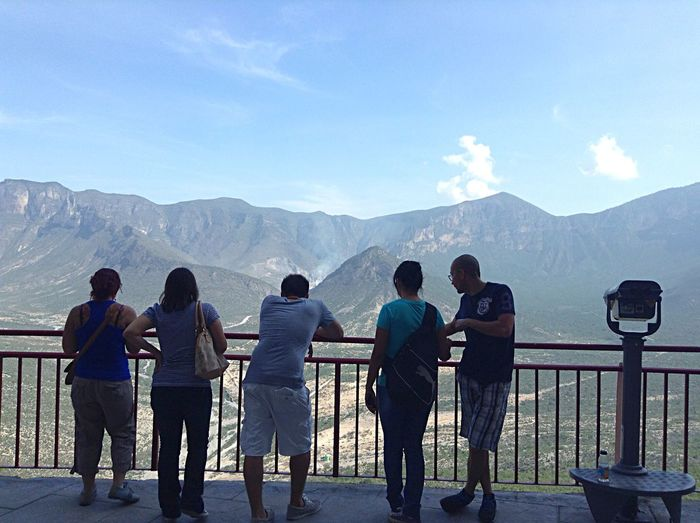 Snapshots Of Life this is the moment when the time doesnt exist... love the life, live it... People Watching OpenEdit The Great Outdoors - 2015 EyeEm Awards Mountains Monterrey Sky Ipodphotography TBT  Friends Landscapes With WhiteWall Blue Wave Miles Away