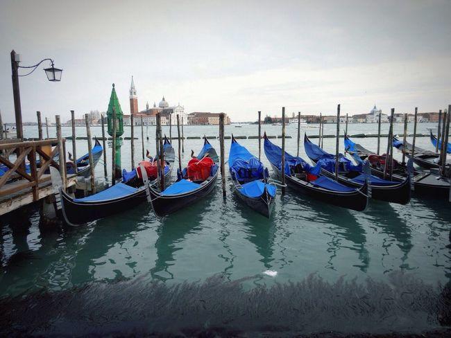 Venezia Gondolas
