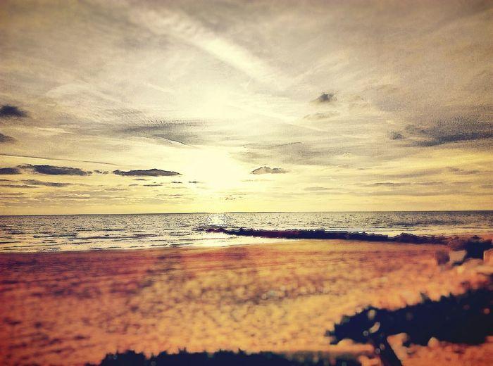 Pic Foto Sicilia Mare Picoftheday Photooftheday Nuvole Sun Fotodelgiorno Photoart Tramonto Sea Tramontosulmare Sicily Siciliabedda Photo Amazing Beauty Photographer Panorama Instagram Loves_sicilia Photoinstagram Instafoto Instaphoto