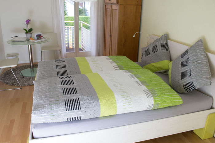 AirBnB Bedroom Calm Calmness Cozy Gemütlich Green Ruhe Schlafzimmer Bed Bed Bett Bed And Breakfast