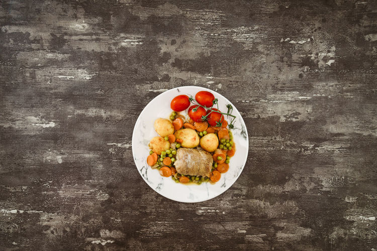 Food Food And Drink Freshness Healthy Eating Wellbeing Directly Above Vegetable Tomato Fruit Ready-to-eat Table Still Life Plate Indoors  No People Serving Size Meat Red High Angle View Egg Temptation