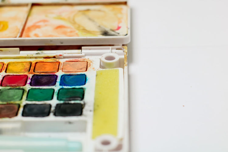 Indoors  Variation Multi Colored Close-up Choice No People Art And Craft Selective Focus In A Row Container Still Life Watercolor Paints Copy Space Palette Creativity Home Interior Box Day Large Group Of Objects Paintbrush