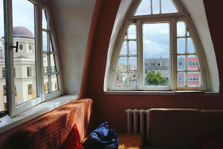 Window Indoors  Glass - Material House Architecture Sky Apartment Window Frame Interior Street Architecture Lifestyles Streetphotography City Life Roof Rooftops Interior Design City Bedroom Bedroom Window Roof Window Home Interior Window Designs Showcase September My Favorite Place
