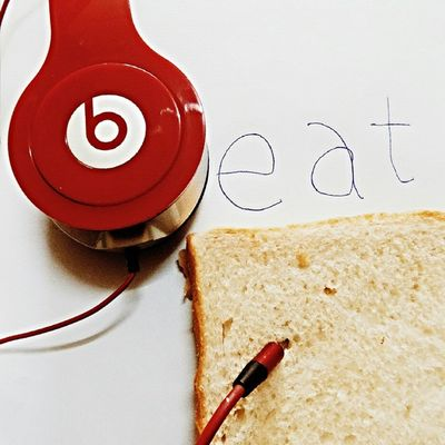 | Beat It, Eat It | Art Attack Tuesday ____________________________________________ TembeaKenya Haiafrika Explorekenya Vscokenya Wanderlust Lifeofadventure IGNairobi Nikonai PotDKenya Agameoftones Worldshotz Bestoftoday Photooftheday Igkenya PotDKenya __________________________________________