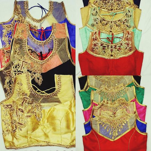 Designer Clothes Readymades Blouses Hanging Backgrounds Variation Pattern Design Multi Colored Full Frame Choice In A Row Group Of Objects Large Group Of Objects Outdoors Day Abundance No People Collection Man Made Object
