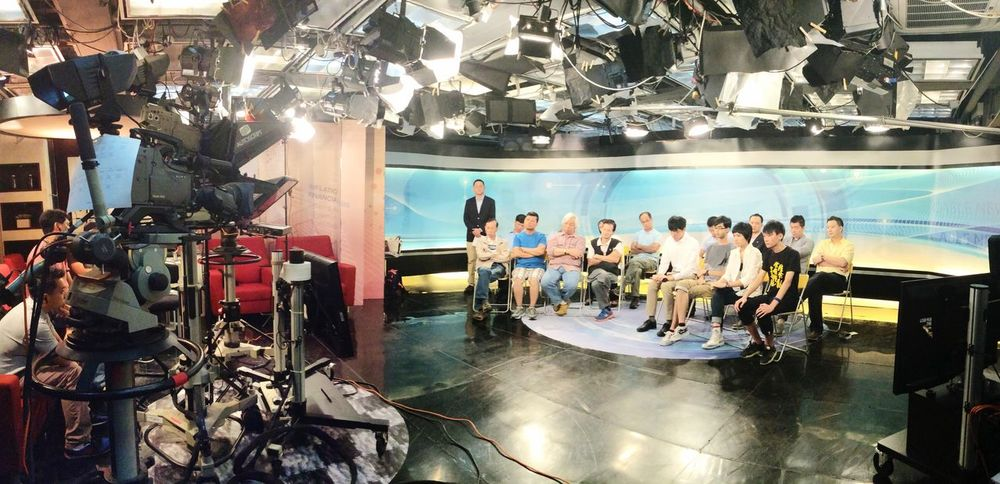 TwentySomething Tvstation Career 20150927_HongKong_ we are having a live program in the iCABLE TV station,
