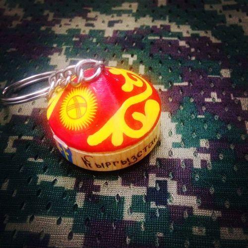 吉尔吉斯斯坦空军送的吉尔吉斯斯坦国徽敖包钥匙链