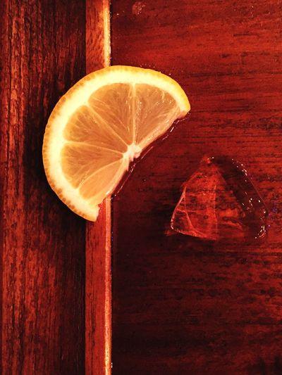 Lemon Highball Ice Woodtable