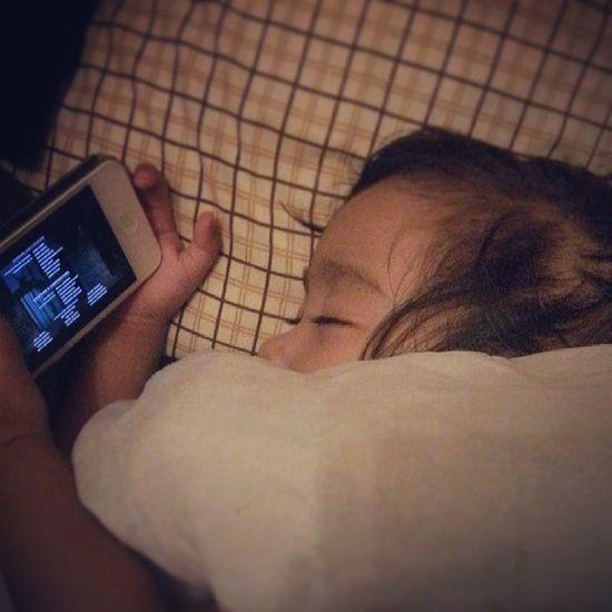 """i thought she's still watching the movie... nakatulog na pala ang baby! Syempre di mwawala unang 'BA' nya.. hehe """",) Hoteltransilvania Pampatulog Sleeptight"""