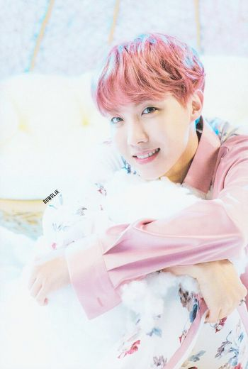 sunshine J-hope A.r.m.y EyeEm Selects Portrait Smiling Looking At Camera Headshot Spraying Happiness Pastel Colored Cheerful Pink Hair