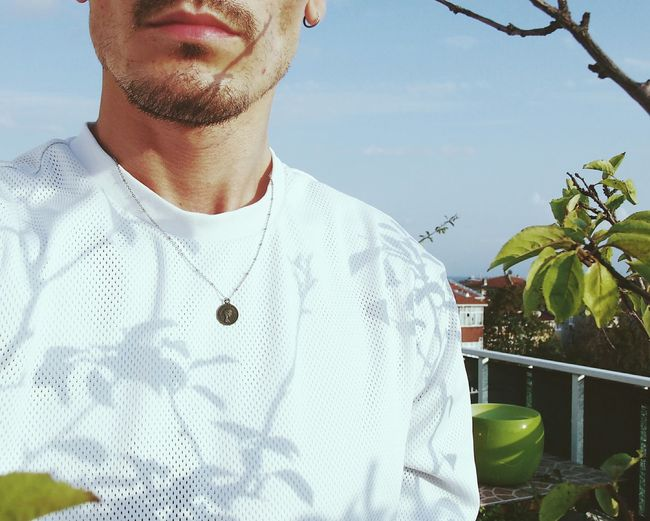 İnstagram @anilunall 📥 Low Angle View Front View Casual Clothing Sky Outdoors Close-up Part Of Back Lit Sunbeam Dogal Outline Tranquility Clear Sky Tranquil Scene Dark Branch Silhouette Built Structure Tattoos Dovme Green Color Orange Color Plant