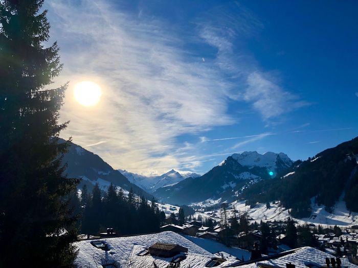 Sunshine in 2018 🌻 Van Gogh Sun Sun Glow Glow Sunshine I❤️Gstaad Beauty Bolonie Art Bolonie Style Bolonie Snow Mountain Cold Temperature Nature Winter Sunlight Sky Beauty In Nature Tranquil Scene Mountain Range Snowcapped Mountain Sun Landscape Outdoors Scenics Day No People EyeEmNewHere Shades Of Winter Shades Of Winter