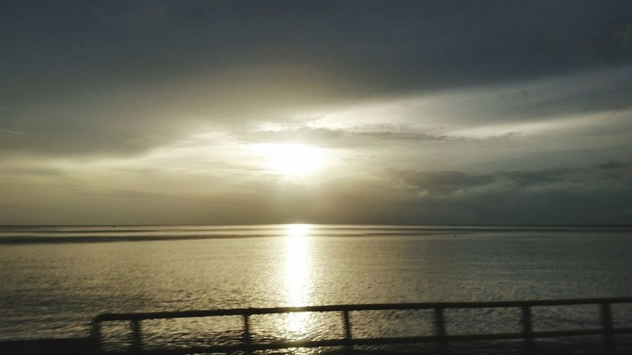 Sunset #sun #clouds #skylovers #sky #nature #beautifulinnature #naturalbeauty #photography #landscape Sunset_collection Eyem Best Shots Nature_collection Eyem Nature Lovers  Sunsetsinthecaribbean
