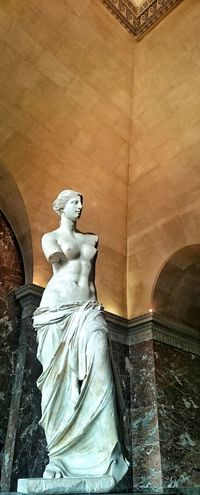 Venus De Milo Taking Photos Mobile Photography People Watching Being A Tourist Enjoying The View Eye4photography  Bonjour Paris Sony Xperia Z3 Compact Hello World Paris, France