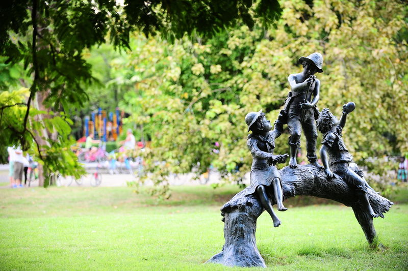 Bronze Public Park Statue Casting Casting Statue Day Garden Grass Nature Outdoors Park