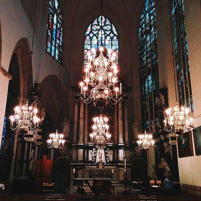 Interior de la Catedral de San Miguel y Santa Gúdula. Parte 2. CaminandoBruselas Latepost