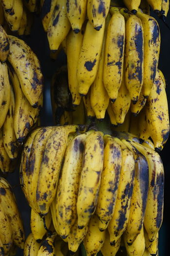 fresh banana at the traditional market Food And Drink Food Healthy Eating Yellow Freshness Wellbeing Fruit No People Close-up Large Group Of Objects Abundance Vegetable Full Frame Market Banana Retail  Organic Tropical Fruit Bunch Backgrounds