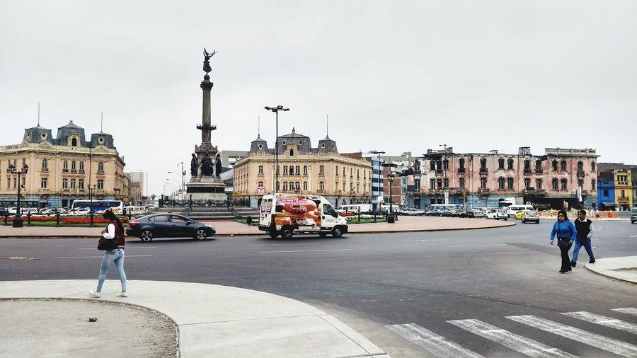Plaza 2 de Mayo, Lima - PERÚ