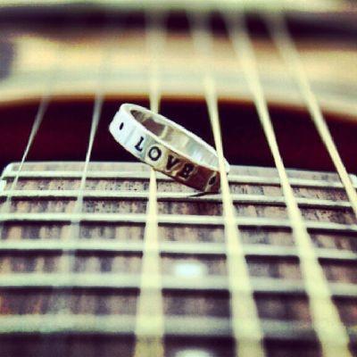 Musicisthekey Liebezurmusik Music Musik love guitar instamusic insta gitarre ring gefühl emotions emotionen texten song songwriter songtext cd schreiben singer musikimblut