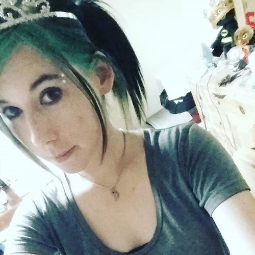 I'm a pretty princess! I love randomly wearing my tiara :) Tiara Princess Greenhair Triedtosmile Batfury !