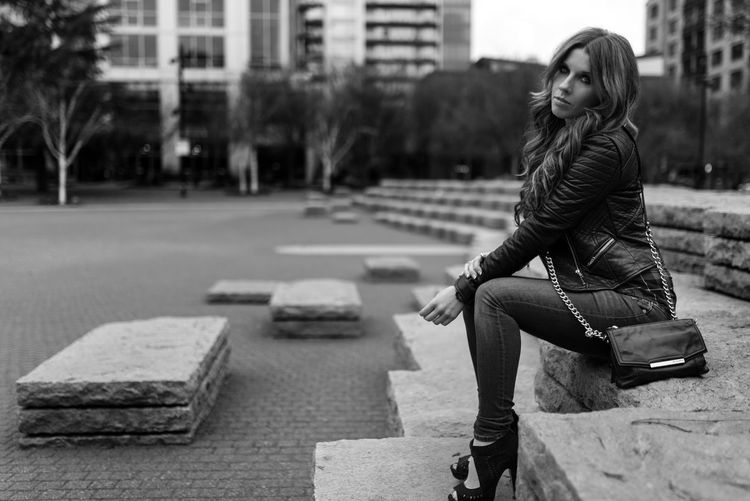 Just a quick pic while on our way to have sushi for dinner Enjoying Life Blackandwhite Street Fashion Naturallight Outdoors Taking Photos Hanging Out Black And White Fashion Longhair