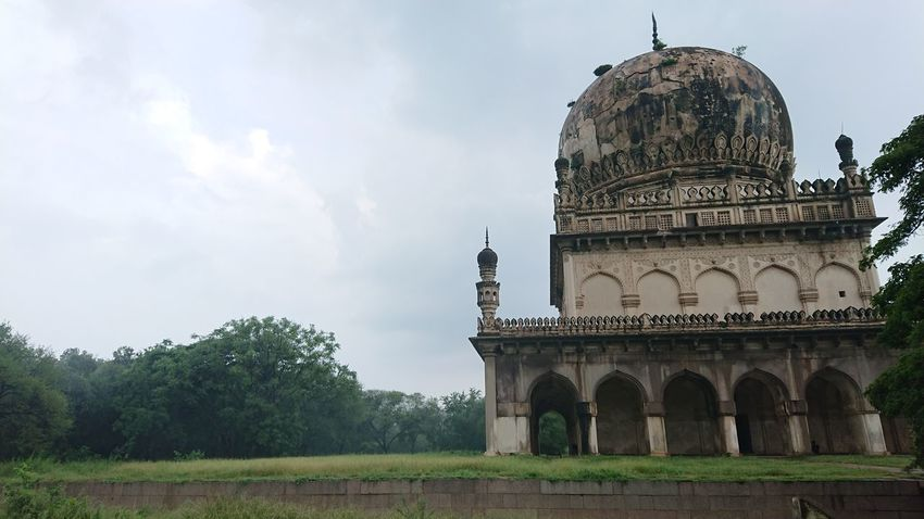 Landscape Capture and collection of Qutub Shahi Tomb Travel Destinations Architecture History Built Structure Dome Cloud - Sky Outdoors Day Sky No People Building Exterior City Tree Politics And Government Architecture_collection Architecture Photography Eyeem Architecture Xperian Photography Sony Xperia Xz1 Qutub Shahi Tombs Hyderabad Monuments Landscape_photography Landscape Photography EyeEm Landscape Eyeem Monuments