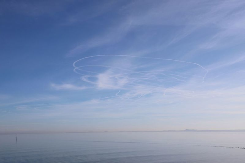 Aircraft trails