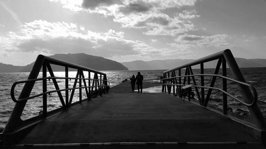 Bridge - Man Made Structure Seaside_collection Silhouette Outdoors Vacations Sea Lifestyle Travel Photography People Photography Reflection Sky Travel Destinations Travel Photography Landscape Skylovers Blackandwhite Photography Shadows & Lights Silhouette Cloud - Sky Couplephotography Japan Photos People Nature