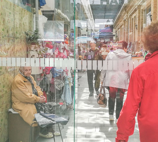 Market Entrance Doors Reflection Old Lady Eyes Travelphotography Traveling Red Lithuania Lights