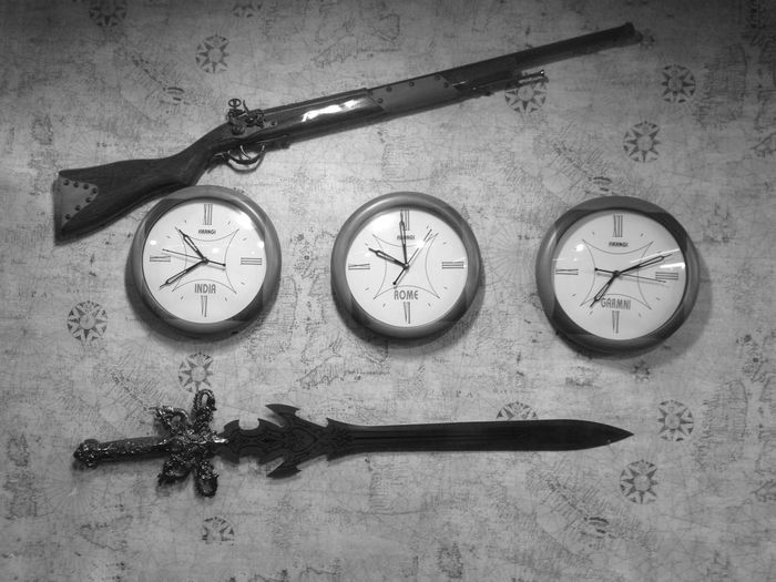Day 193. Check This Out Watch Wallclock Three Country Time Texture RIFEL Gun Sword BIG IPhone ShotOniPhone6 Iphoneonly Iphone6 IPhoneography